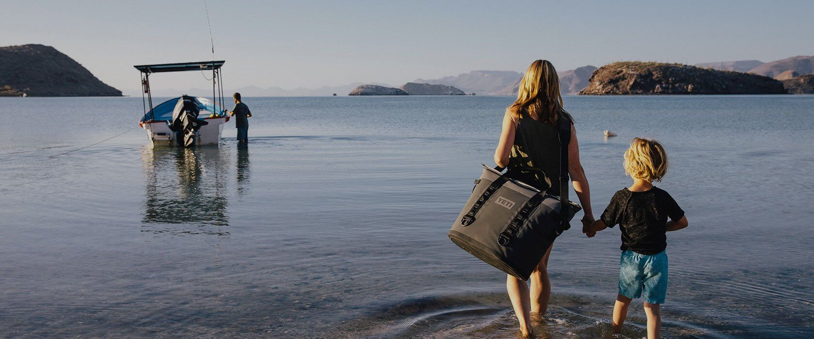 Yeti Hopper M30 At The Beach